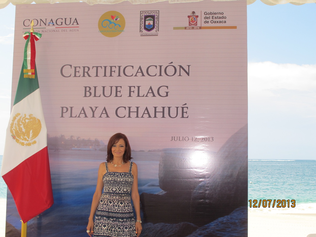 Poster and Mexican flag, Certificacion Blue Flag Playa Chahue.