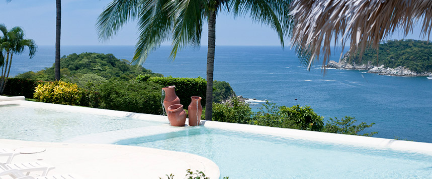 Prime huatulco real estate overlooking the Pacific Ocean.
